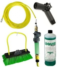 UNGER HI-FLO KIT For cleaning facia and soffits.